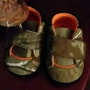 Northern Trail Baby shoes size 2.